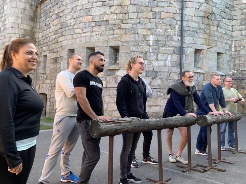 Jobb Skyhill, Fångarna på Kastellet /Markus Forsström